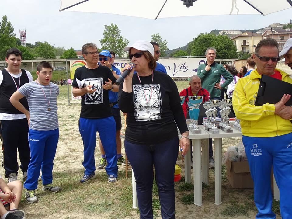 una fase della manifestazione, con la prof. Carmela Liuzzi, dirigente scolastico di Tursi