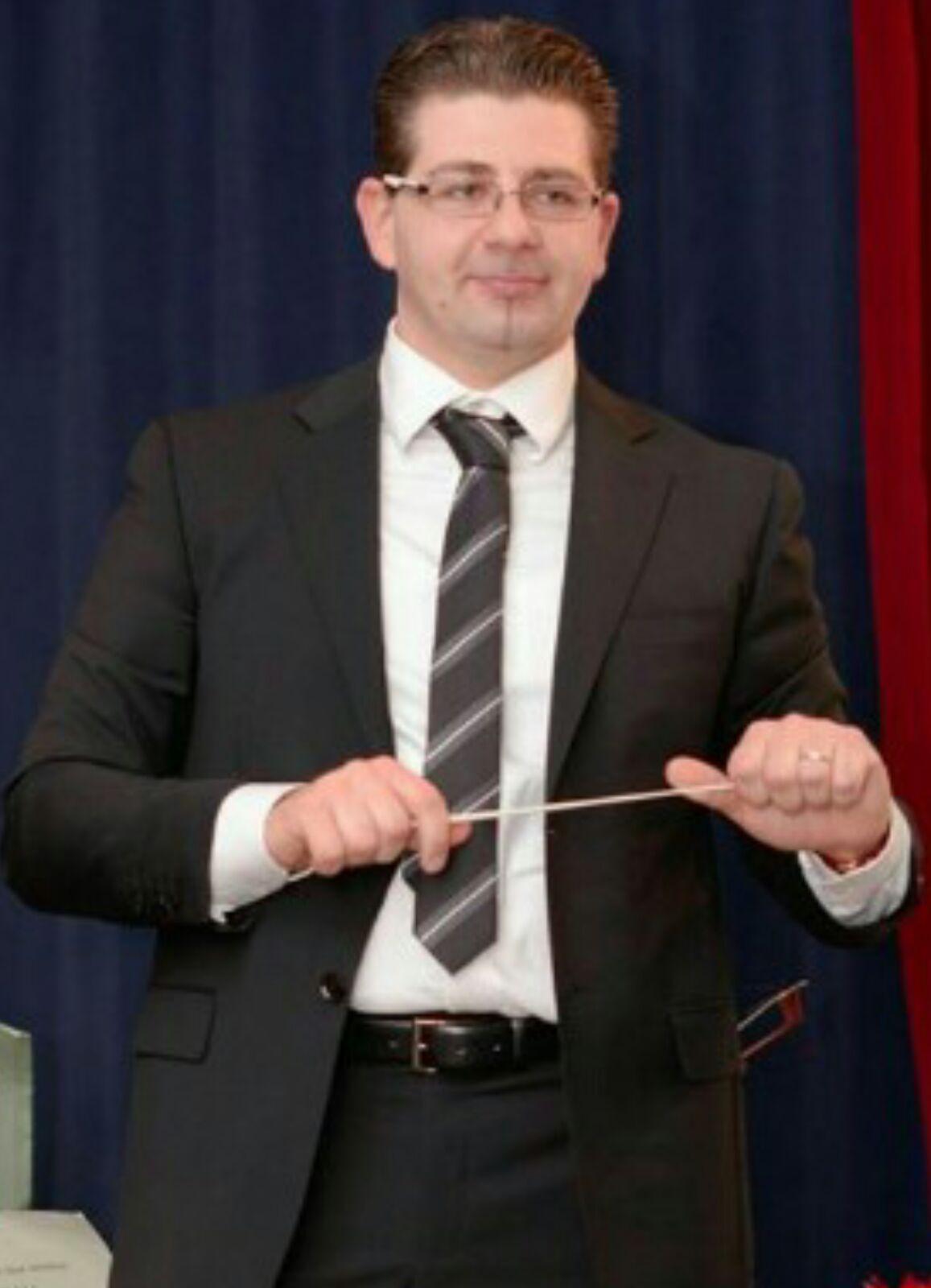 M° Francesco Muscolino, direttore artistico della Corale Polifonica Diocesana e del Coro Regina Anglonensis