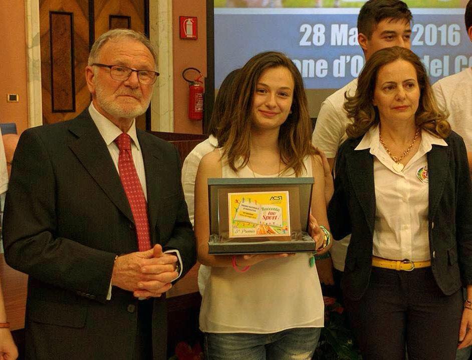 Premiazione a Roma, terzo posto per Enrica, studentessa della scuola L. Milani di Policoro