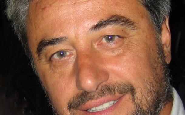 """""""Peraspina Perapoma"""" seconda silloge poetica di Antonio Petrocelli, attore di talento e scrittore"""