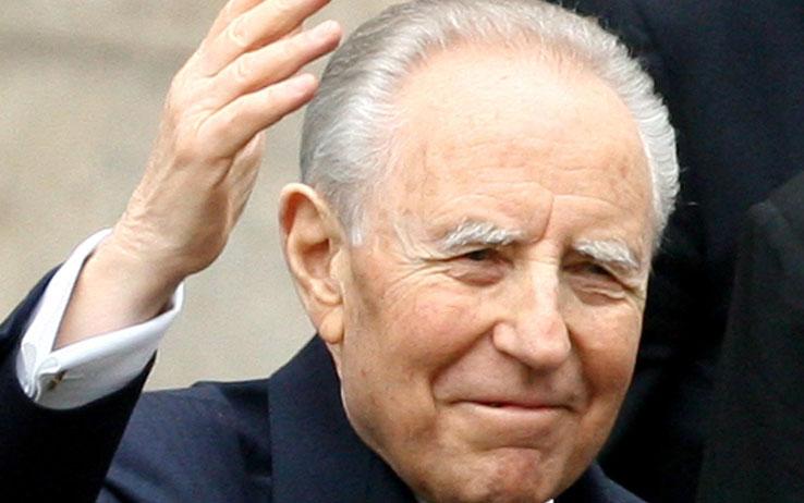Il Presidente della Repubblica Carlo Azeglio Ciampi aveva concesso il titolo onorifico di Città di Tursi. E' doveroso ricordare anche questo suo legame con la nostra storia